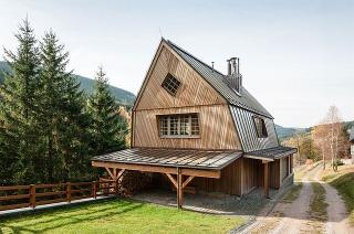 Chata inšpirovaná tradičnou architektúrou