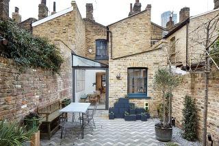 Citlivá a vkusná rekonštrukcia odhalila skrytú krásu tehlového domu