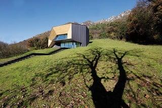Odvážny dom v horách: