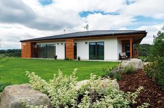 """""""Ak sa použije vhodná technológia, dom je dobre premyslený a kvalitne zrealizovaný, nepocítite v ňom žiadne problémy alebo negatívne vplyvy, o ktorých sa niekedy hovorí v súvislosti s drevostavbami,"""" uisťuje na základe vlastnej skúsenosti architektka"""
