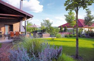 Atelier Flera oslovili majitelia na základe odporúčaní známych, ktorým záhradu v minulosti navrhli a boli s ich prácou maximálne spokojní.