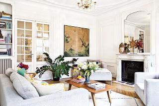 Celkový štýl interiéru je podľa majiteľa výrazne haussmannovský, výrazne parížsky. Georges Eugène Haussmann, známy ako barón Haussmann, bol francúzsky mestský architekt aparížsky prefekt, ktorého meno je spájané najmä srozsiahlou prestavbou Paríža.