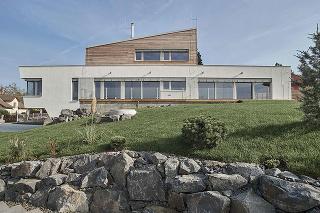 Rodinný dom Karlovarsko, autori: Václav Zahradníček, Michal Kotlas, Prodesi, dodávateľ: Domesi
