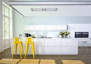 Keď bielu lesklu zostavu obohatíte o žltú farbu, pozvete tým slnko na trvalú návštevu.