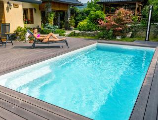 Keramické bazény Compact majú príjemné odpočinkové zóny a vynikajú vysokou odolnosťou a nadčasovým dizajnom. Na fotografii model s lákavým názvom Diamant.