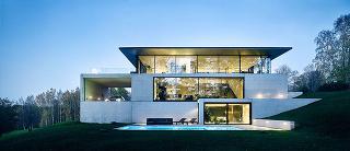 Premyslený minimalistický dom, ktorý