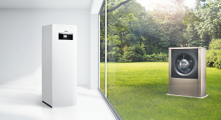 Tepelné čerpadlá sú ekologické zdroje tepla, ktoré využívajú energiu z obnoviteľných zdrojov. Keďže dokážu vodu nielen ohrievať, ale aj chladiť, udržiavajú v domácnosti príjemnú klímu počas celého roka. V rodinných domoch sa najčastejšie používajú tepelné