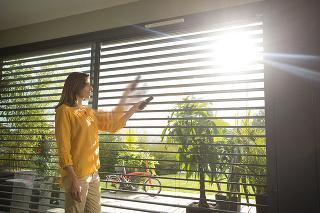 Nechajte slnko za oknami
