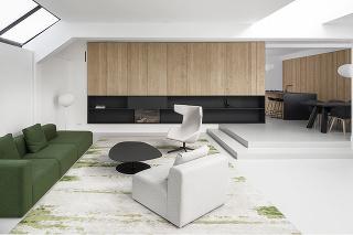 obývacia časť so zelenou pohovkou