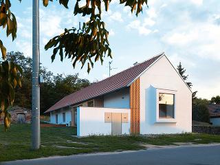 dom so štítom