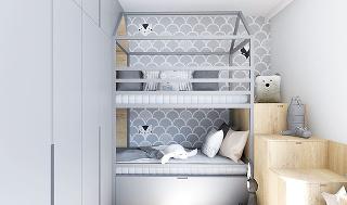 Poschodová posteľ je navrhnutá vtvare domčeka. Atypickým riešením vznikli za skriňami intímne zákutia. Na poličkách sLED osvetlením si nájdu miesto obľúbené knižky ahračky. Spodná posteľ ukrýva veľkorysý výsuvný perinák.