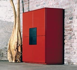 Červená je v poslednom čase doslova interiérovým hitom, s touto silnou farbou však treba zaobchádzať opatrne.