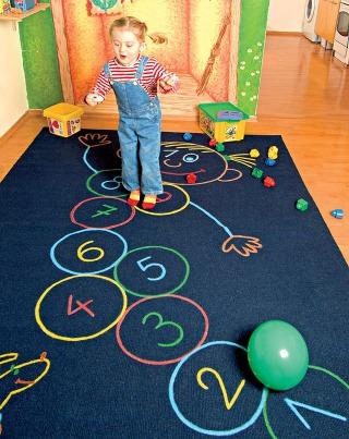 Hravý koberec