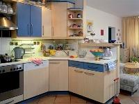 Kuchynské pracovisko oddeľuje od