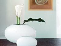 Biela keramická váza Orbit