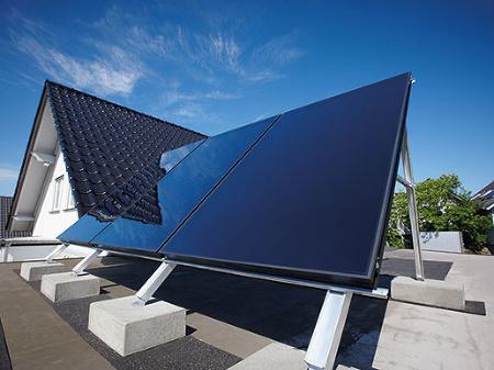 Beztlakové solárne kolektory typu
