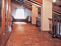 Keramická dlažba v interiéri