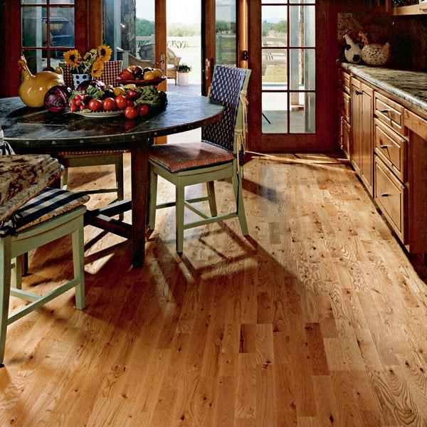 Laminátová a drevená podlaha v kuchyni  d7f788e86c7