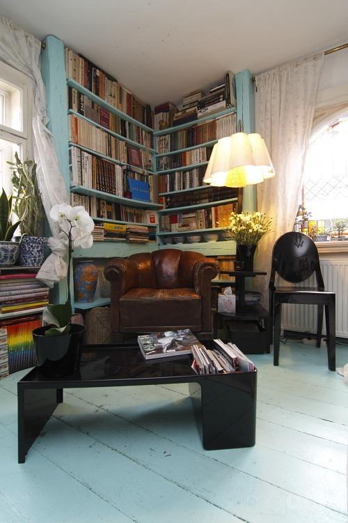 Žiť spätý s knihami,