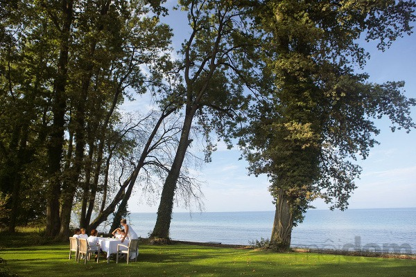 Romantický pozemok pri jazere