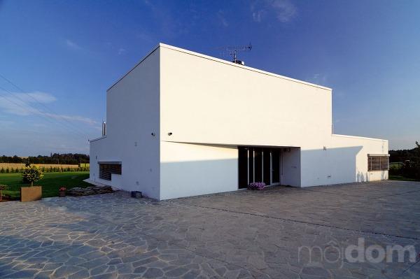 Zaujímavý architektonický prvok vstupnej