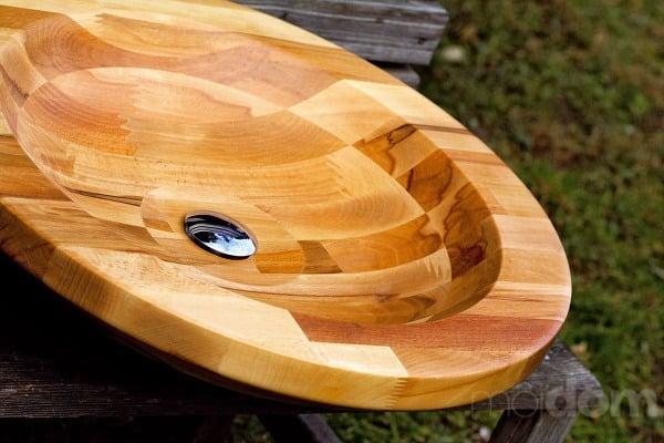 Ľudská tvár v dreve