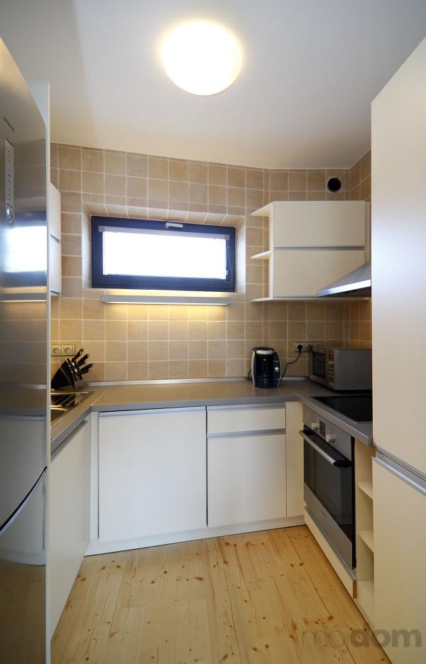 Kuchyňa je malá, ale