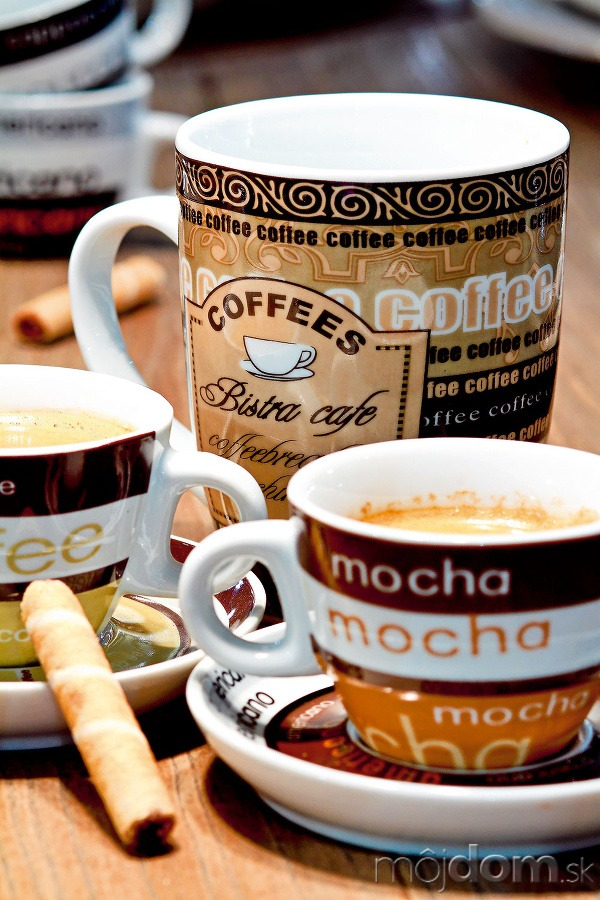 Porcelánové šálky na espreso