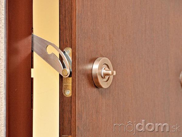 236f3a4146 Čo musia spĺňať bezpečnostné dvere