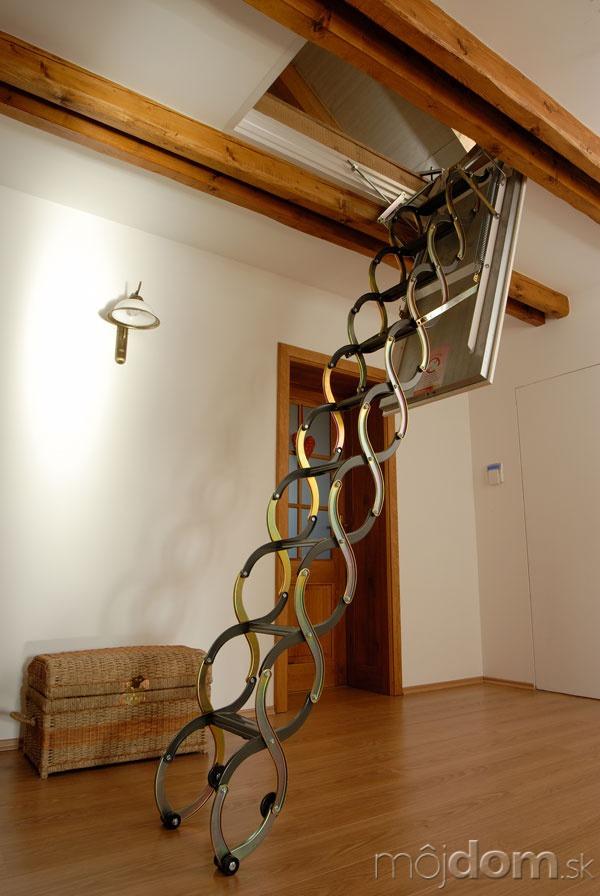 Skladacie schody sú výhodným