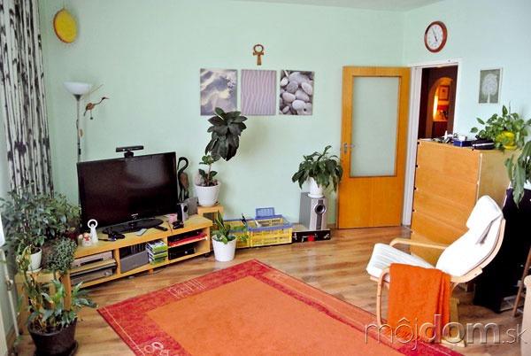Obývaciu izbu orientovanú na