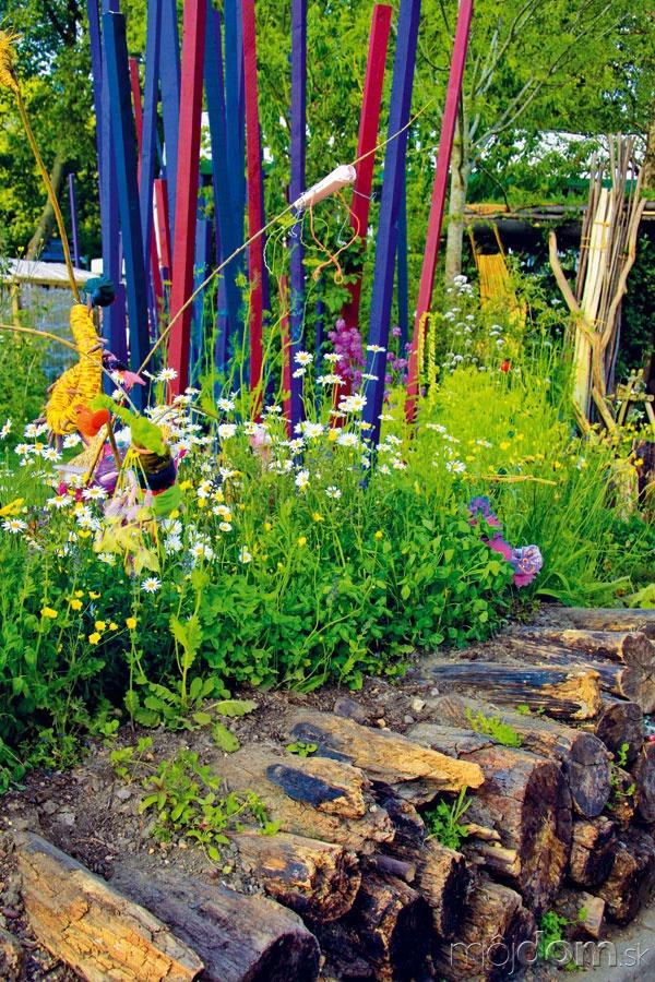 Nápadné dekorácie oživujú záhradný
