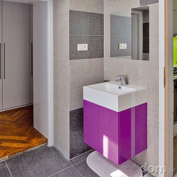 Kúpeľňa sa síce oproti