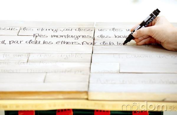 Text prepísaný na latky