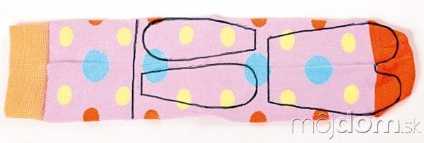 Na farebnú ponožku nakreslite