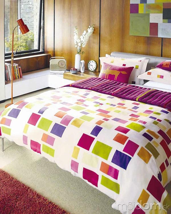 Textílie aobliečky sfarebnými geometrickými