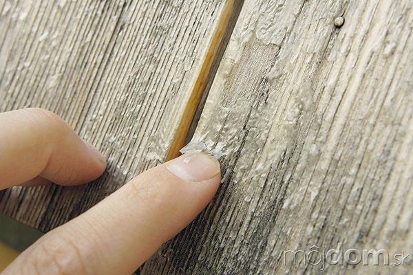 Ak drevo na fasáde