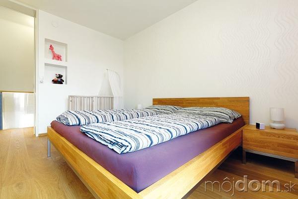 Malý podkrovný byt v