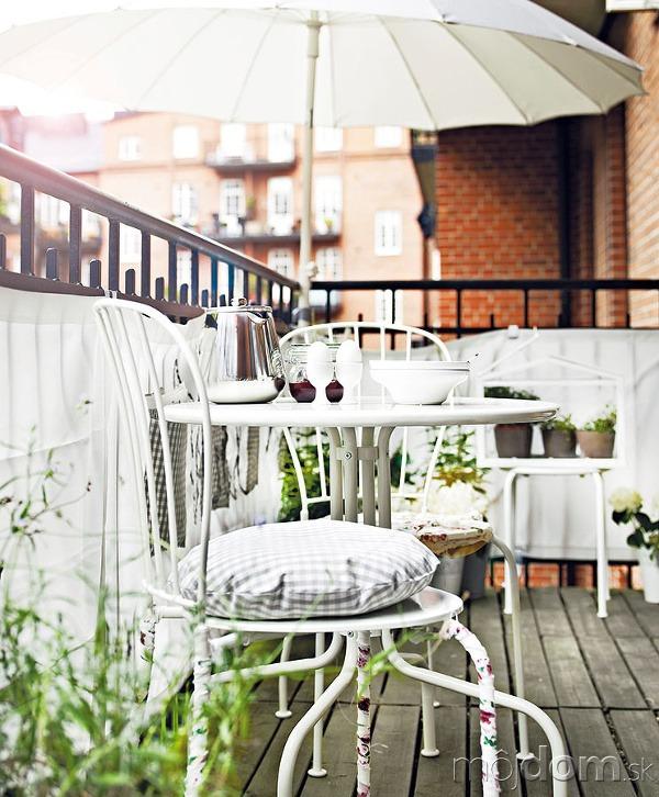 Balkónové sedenie plne prispôsobte