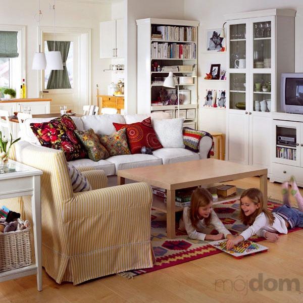 Obývačka a spálňa v