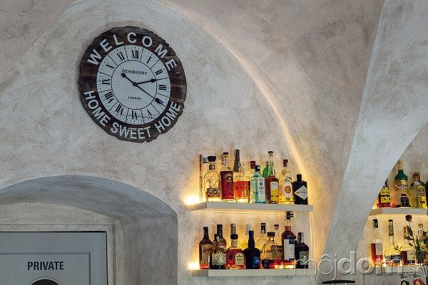 Kaviareň sídli v meštianskom