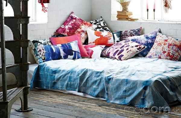 Spánok na akvareloch. Textilné