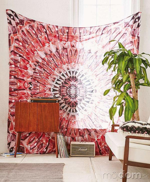 Magická mandala zdobiaca tapisériu