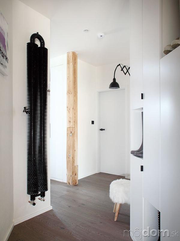 42ef8e277fa5c Podkrovný byt ladený do čierno-biela, v ktorom nie je o nápady núdza ...