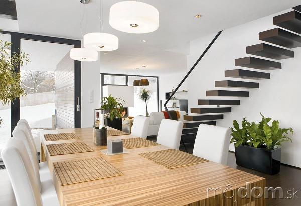Dve minimalistické schodiská pretínajú