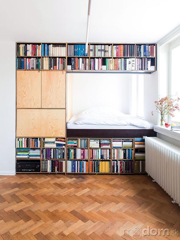Dômyselná knižnica. Byt svýmerou