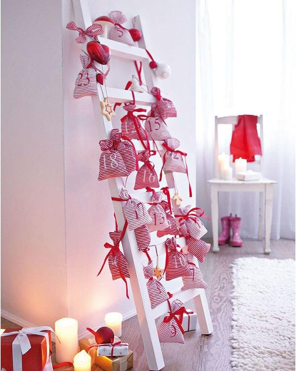 Adventný kalendár na rebríku