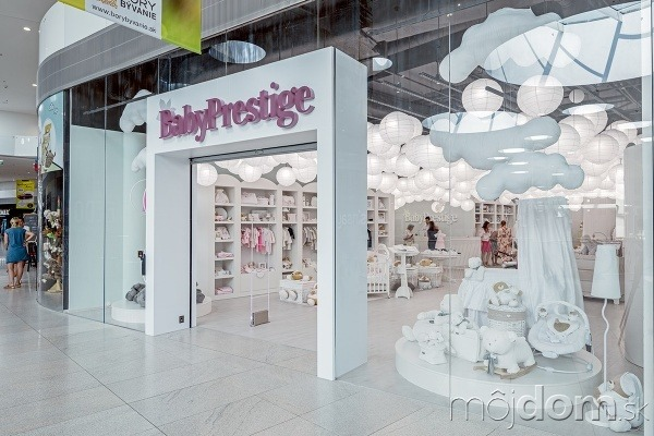 d088a5cb66 Výsledný návrh obchodu pre deti dobre vyzerá a plní svoje poslanie -  jedinečný interiér láka ľudí dovnútra. Baby Prestige Baby Store