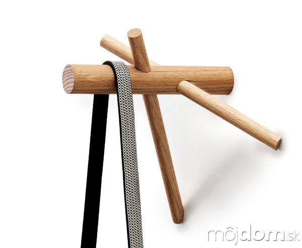 Drevený vešiačik Sticks od