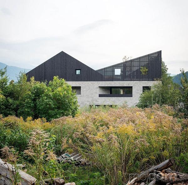 Dvojitý dom ako zo